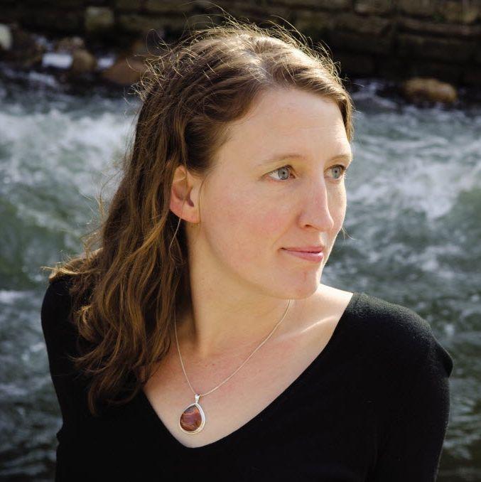 Kelly Barnhillová